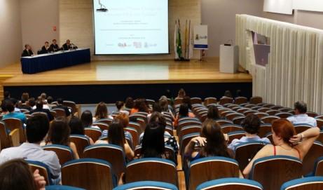 Seminário sobre o novo CPC reúne advogados e estudantes